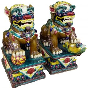 chinese porcelain lion pair